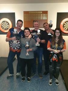 Des Walker gewinnt SCE Dart Open 2019
